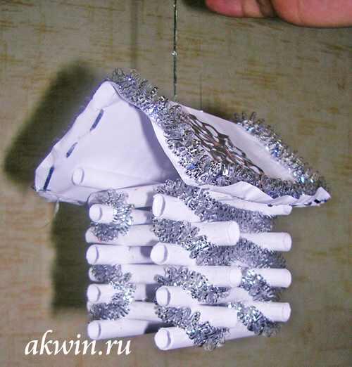 Ёлочная игрушка своими руками Новогодняя избушка