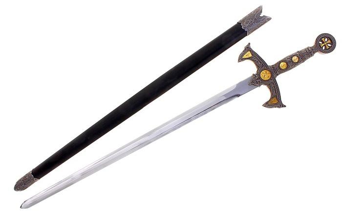 Рыцарское оружие и доспехи